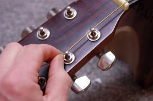 Changer cordes de guitare - Etape 10