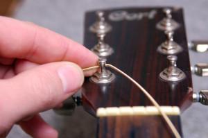 Changer cordes de guitare - Etape 12