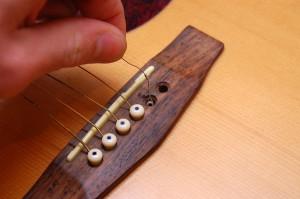 Changer cordes de guitare - Etape 4