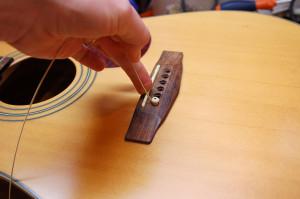 Changer cordes de guitare - Etape 9
