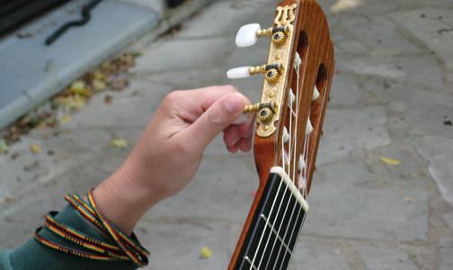 Cours de guitare: Accorder sa guitare - Blog Carpe Dièse