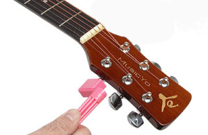 changer-cordes-guitare-1